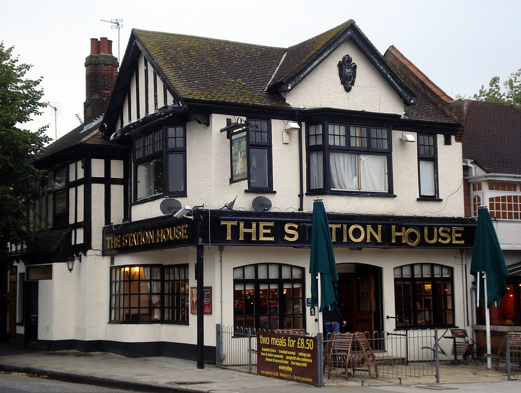 Reviews >> Station House, Chingford, London E4 | Links (see the RGL pag… | Flickr