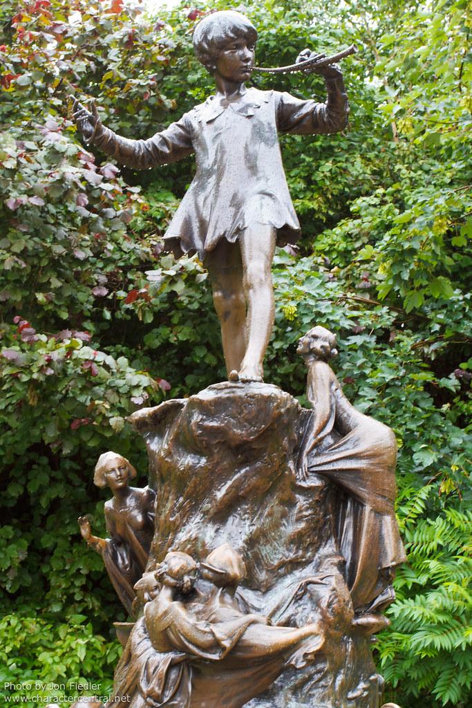 London June 2011 Visiting The Peter Pan Statue In Kensin