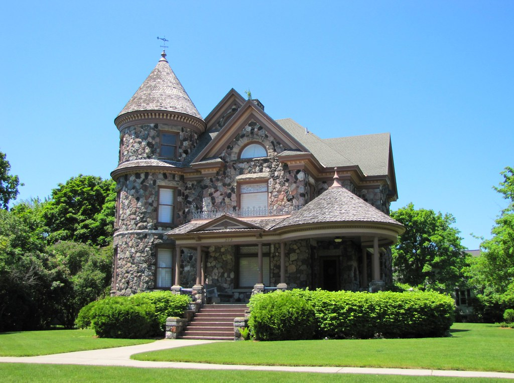 Alpena stone victorian one of the many great houses in for Building a house in michigan