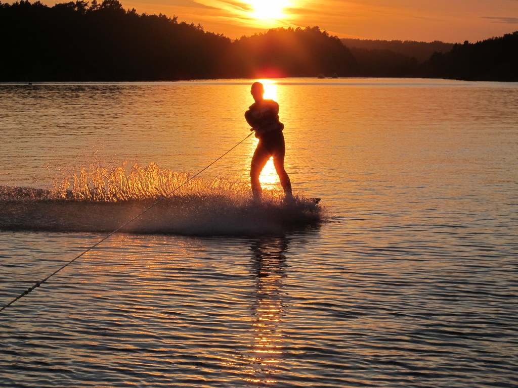 Sunset wakeboarding | Mats catching the last rays of ...