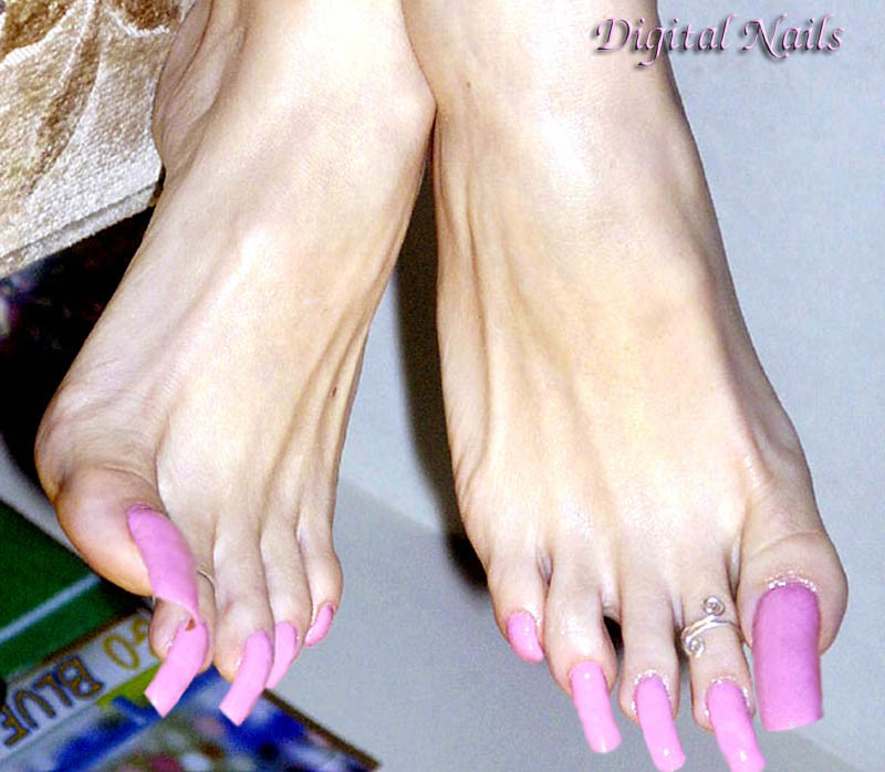 Anne LONG_DN | Long toenails by Digital Nails | Alex9_9 | Flickr