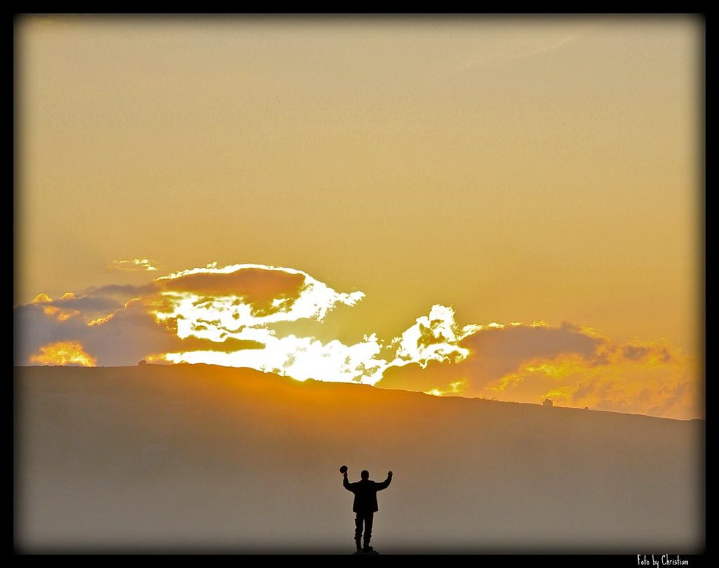Man In Silhouette Greet The Morning Sun Welcome Christian Flickr