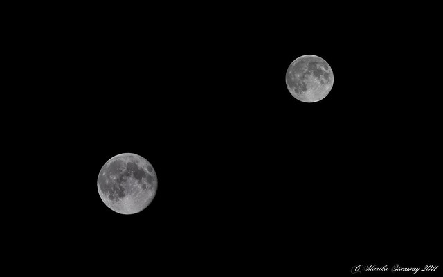 twin moons - photo #6