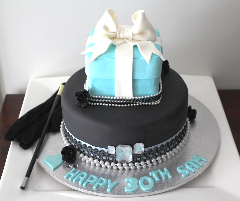 Breakfast At Tiffanys Cake Bella Bambini Birthdays Jpg 1024x857 Tiffany 30th Birthday