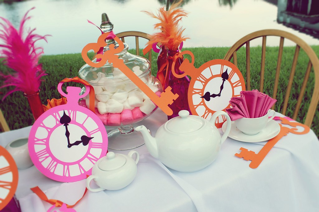 Alice in wonderland party ideas alice in wonderland tea - Alice in wonderland tea party decorations ...