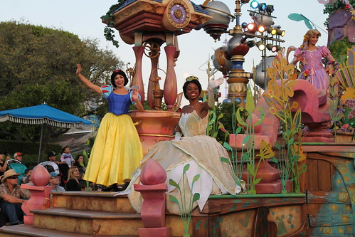 Mickey's Soundsational Parade | I thought it was odd to ...