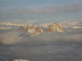 Sea clouds on Dolomites (Sassolungo Group, 3181 m.) | by Nick890ts