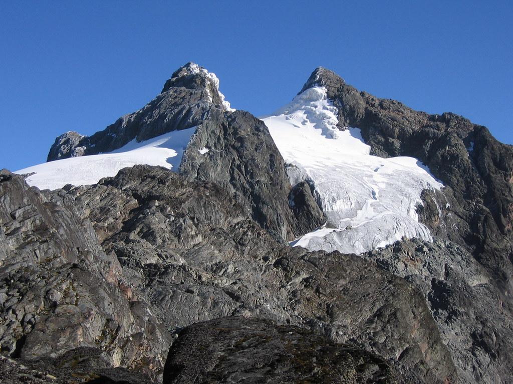 Margherita Peak (à droite, 5109 m)