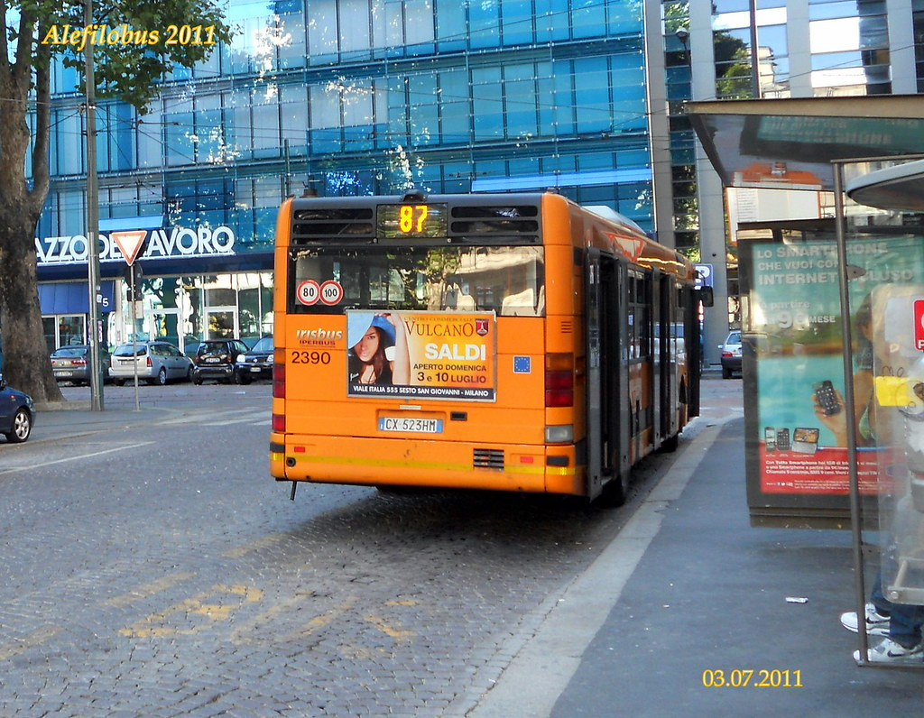 ... Milano: autobus CityClass n°2390 al capolinea 87 CENTRALE F.S. | by  Alefilobus