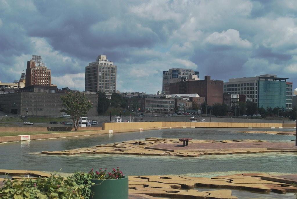 Memphis Skyline 2 Here The Mud Island Riverwalk Descends