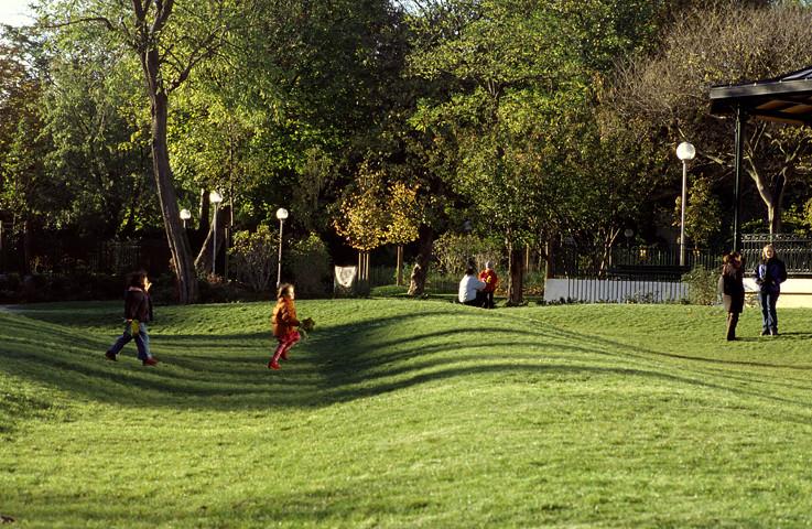 Quai de valmy jardin villemin photos claude colom for Jardin villemin