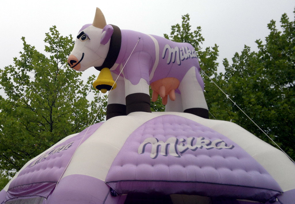 giant inflatable Milka Cow aqua magica bad salzuflen Herfo ...