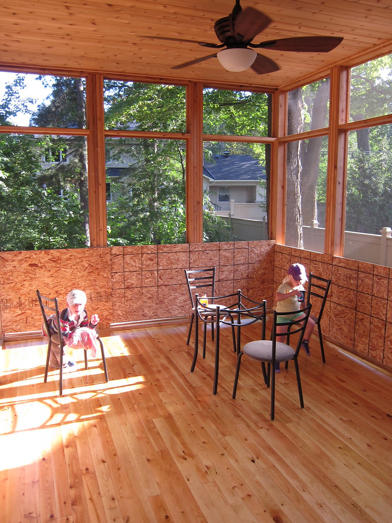 Screened In Porch Off Half Family Room