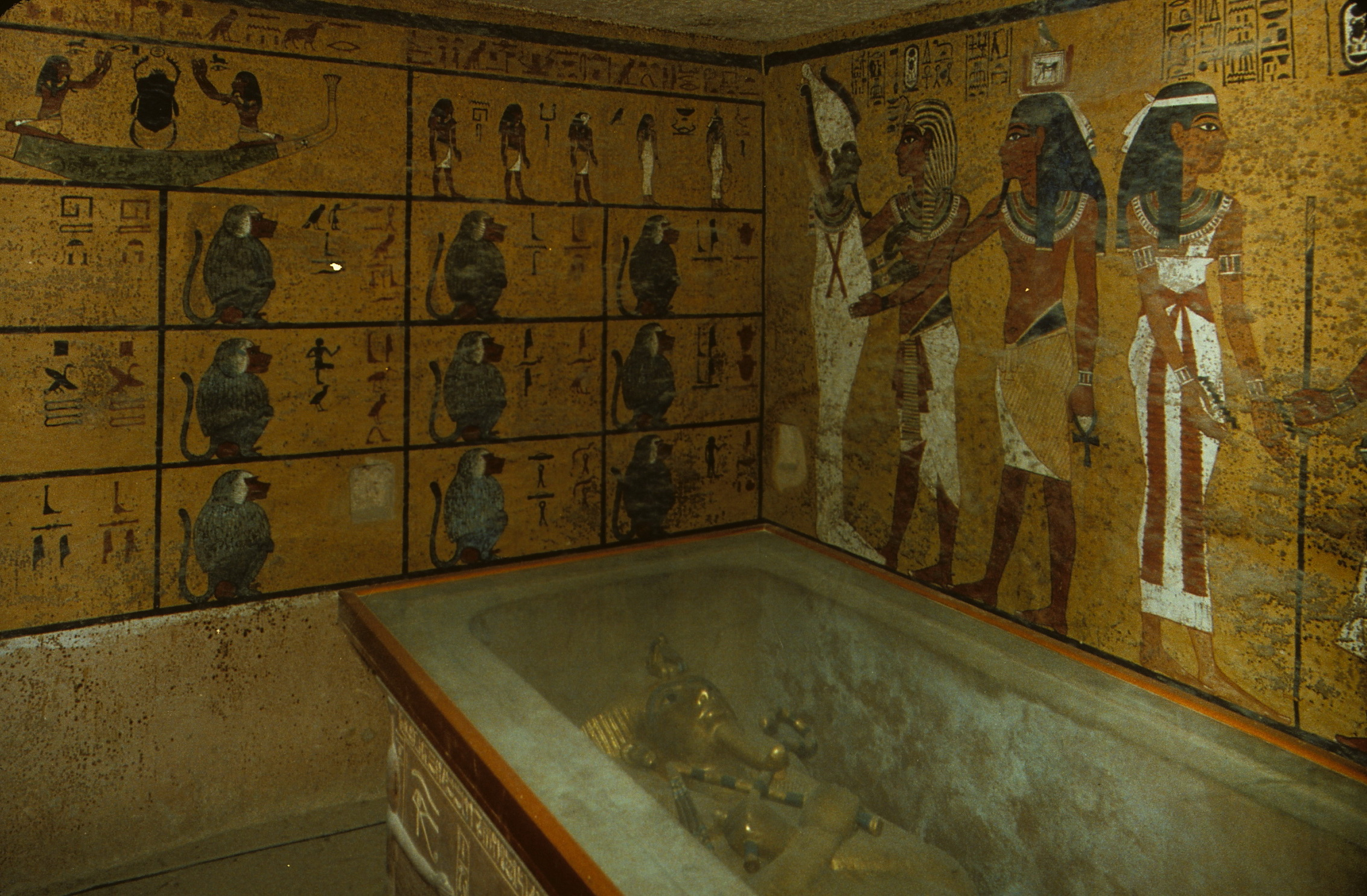 Inside the tomb of the boy king, Tutankhamen