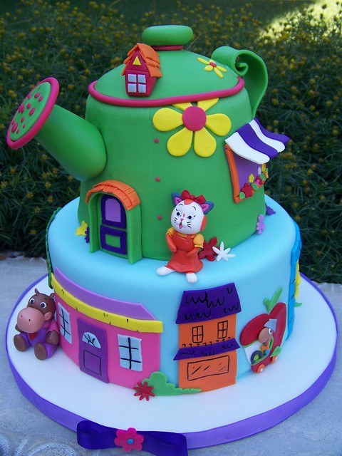 Richard Scarry Cake Design