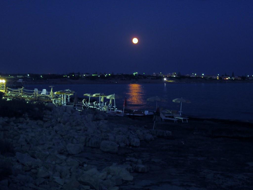 La Luna Riflessa Sul Mare Giorgio Bonomo Flickr