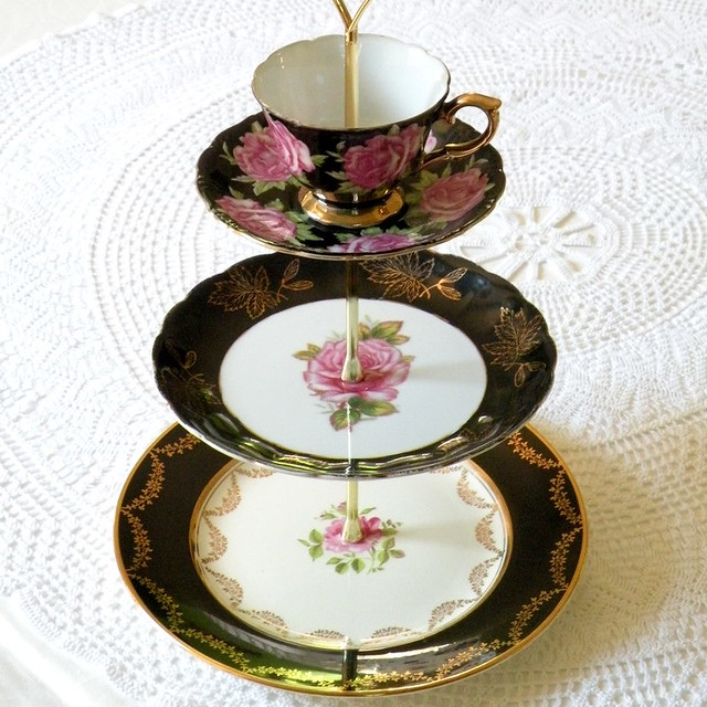 Porcelain Cake Stand With Glass Dome