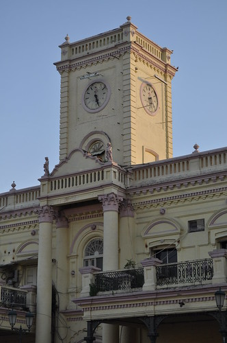 Central Bank Bldg.Hazratganj  at 5.30 P.M. on 17.09.2011 | by anandamoy