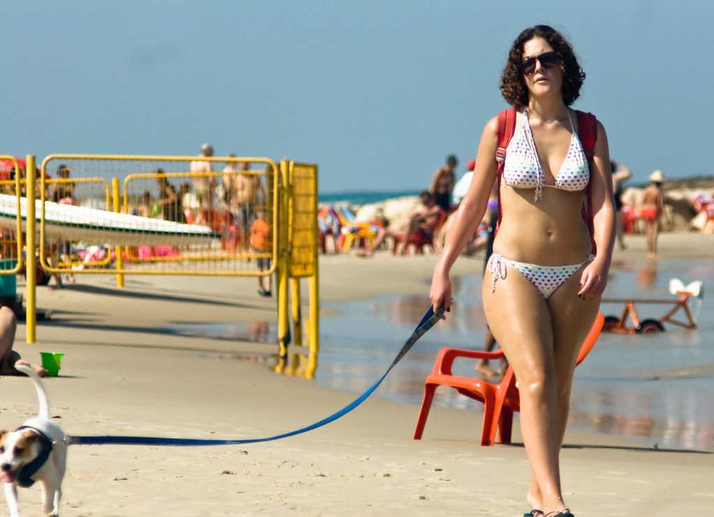 3d beach girl with gigantic tits 10