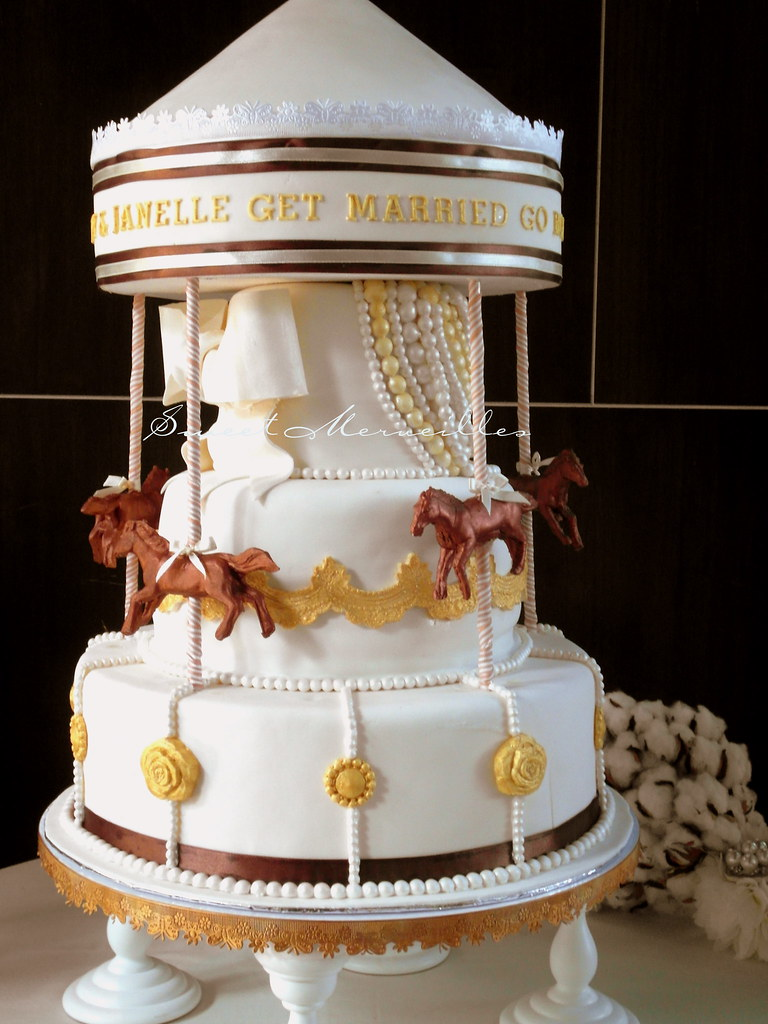 carousel wedding cake carousel wedding cake get married go the 12405