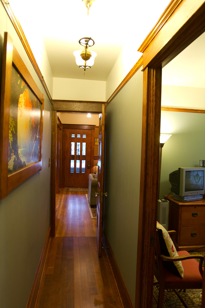IMG_5928 | Hallway done. Paint color: Benjamin Moore ...