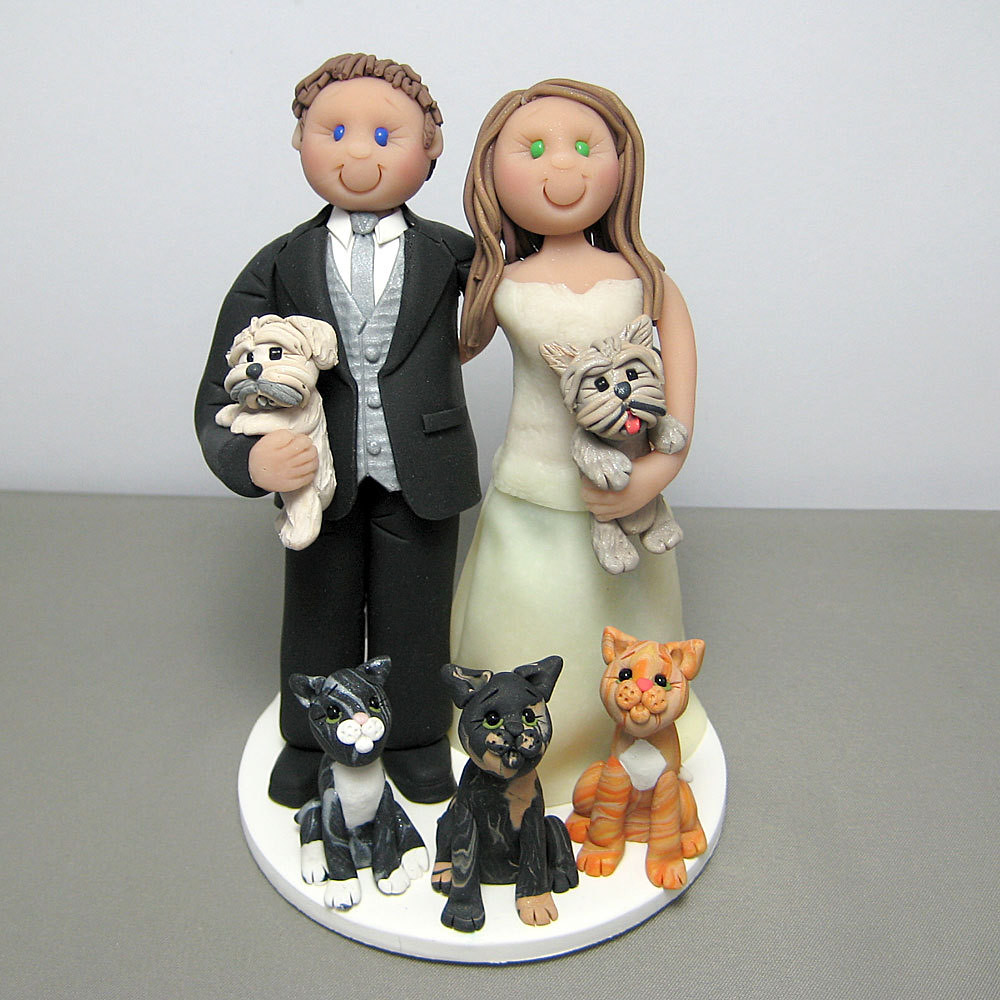 wedding cake toppers with dog and cat wedding cake topper with their three cats custom made 26630