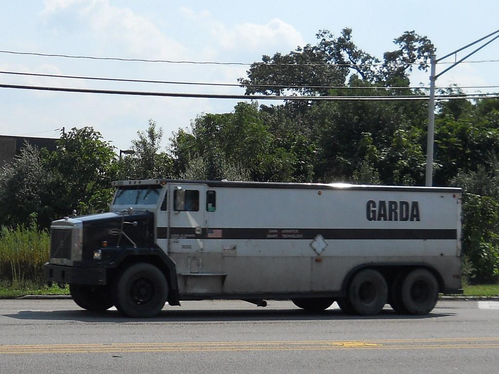 Volvo Autocar Armored Truck Garda Services Chris Flickr