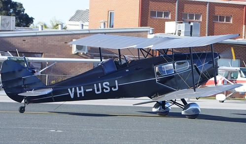 "VH-USJ 1933 de Havilland Fox Moth DH-83 DH83 ""Speed Model"" 