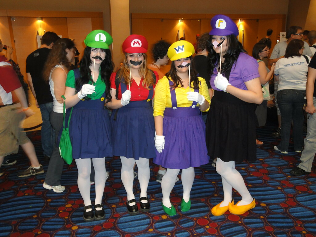 Female Luigi, Mario, Wario, and Waluigi | Matt Refghi | Flickr Wario And Waluigi Costumes