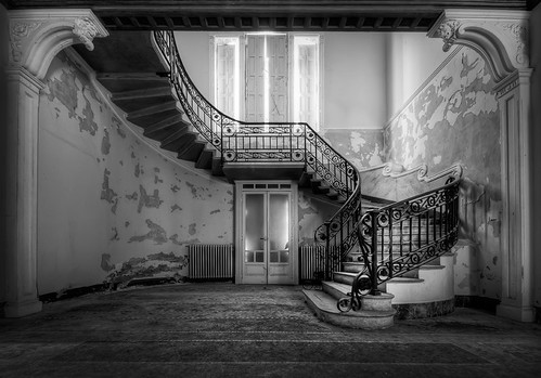 Just love staircases... | by daanoe.nl
