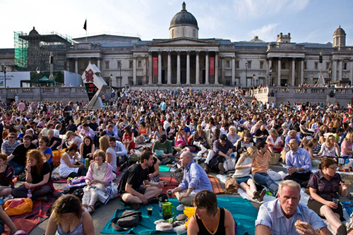 BP Big Screen audience in Trafalgar Square, London © ROH 2011 | by Royal Opera House Covent Garden