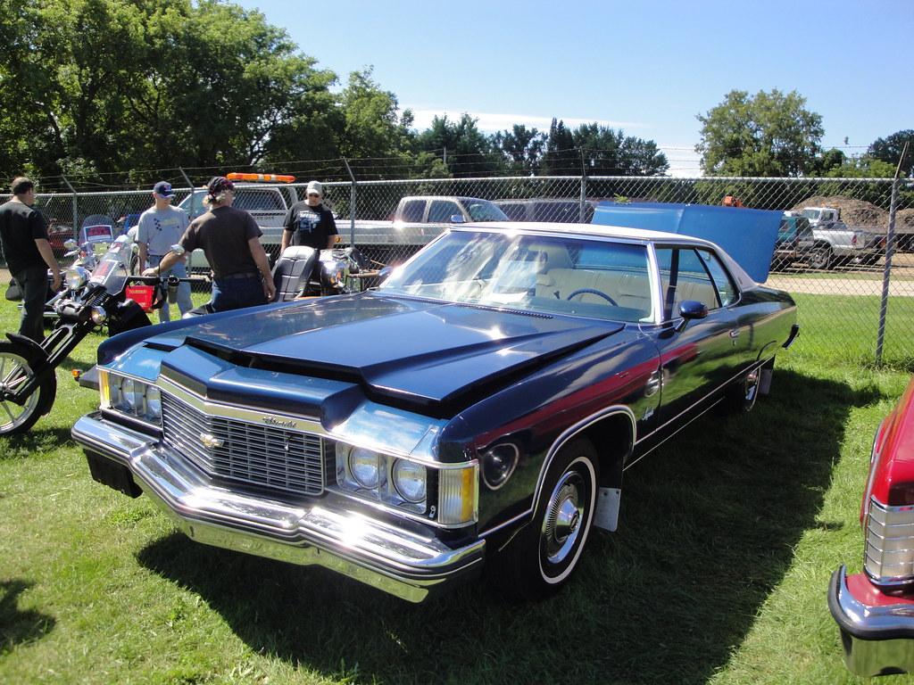 Sunday Car Show Vintage Oaks Novato
