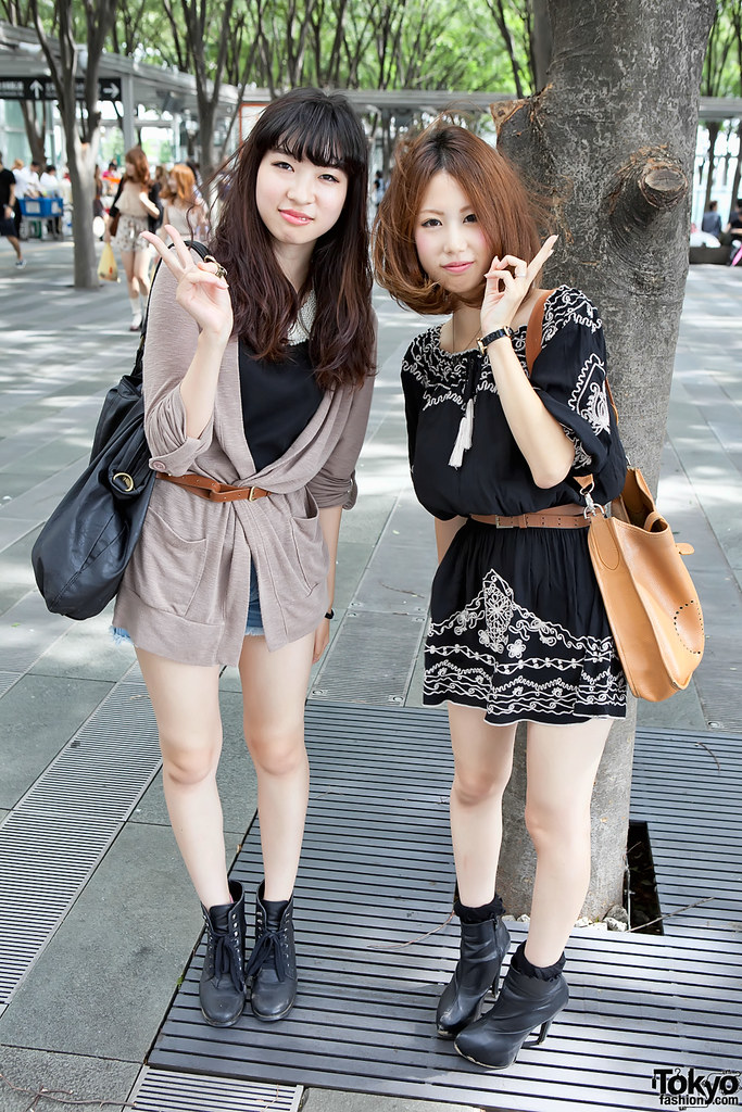 Tokyo Girls (Collection) | Two stylish Japanese girls