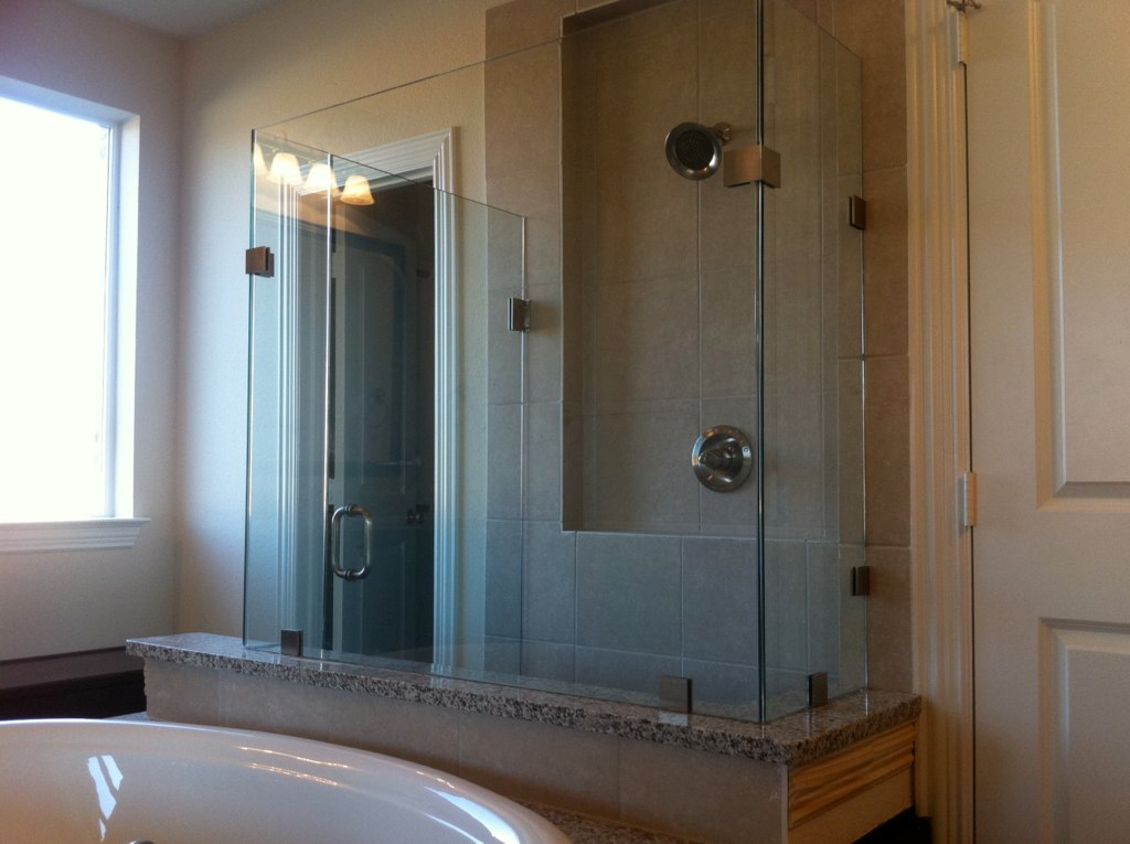 3 Sided Frameless Shower Enclosure | This is a 3 sided 3/8"|1024|765|?|en|2|246a8086ce7886cf7ad5fecdb1467cab|False|UNLIKELY|0.3240794837474823