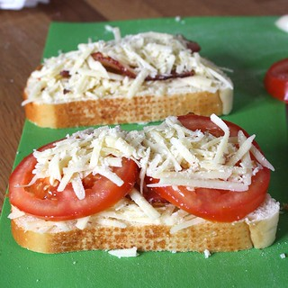 Garlic-Rubbed Grilled Cheese with Bacon and Tomatoes   by Tracey's ...
