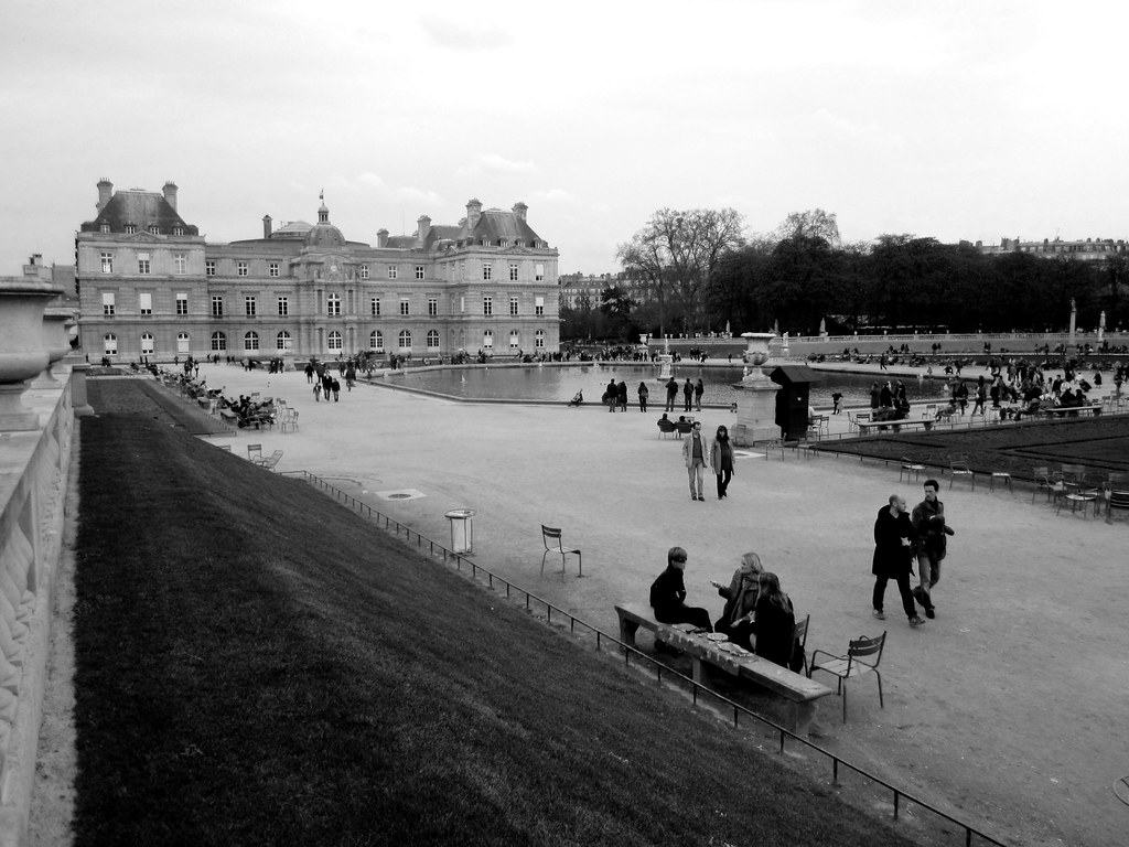 Luxembourg Palace And Gardens The Jardin Du Luxembourg Or Flickr