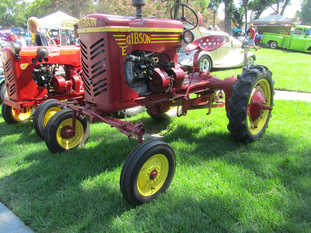 Tractor And Car Show : Gibson e tractor chino car show mr flickr