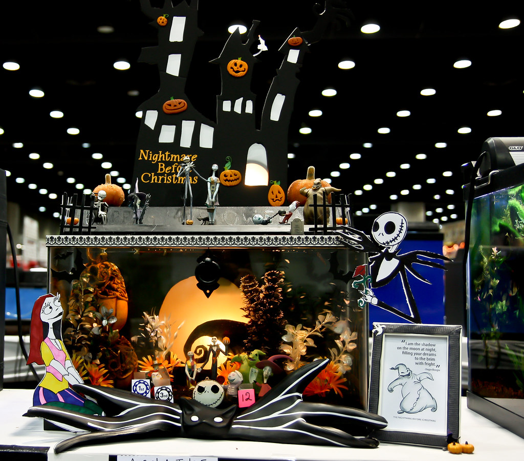 The nightmare before christmas fish tank one of the contes flickr - Fish tank christmas decorations ...