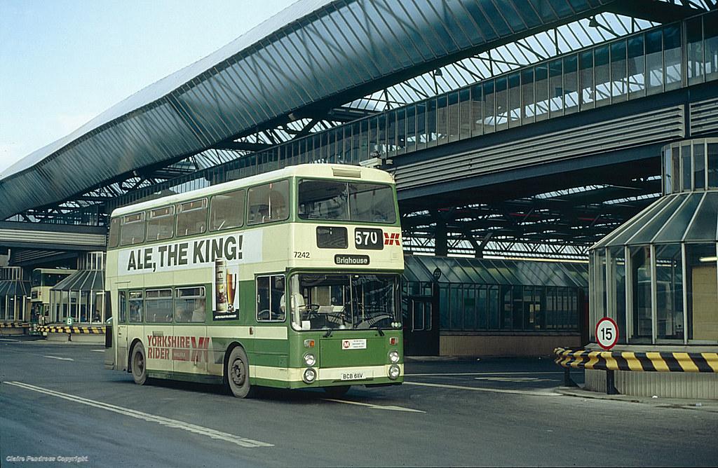 Bradford Interchange 1990 Dwarfing Yorkshire Rider 7242