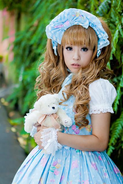 sharing lolita