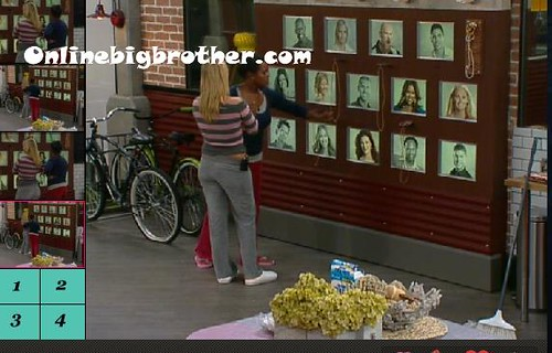 BB13-C4-8-28-2011-3_43_15.jpg | by onlinebigbrother.com
