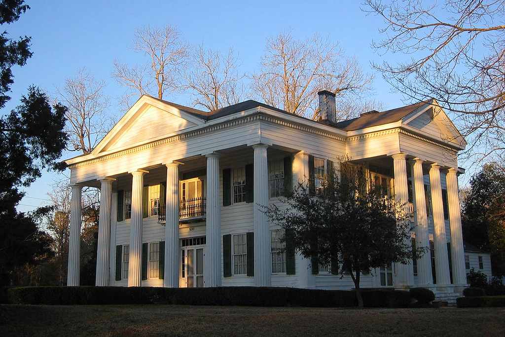 Lady antebellum in lowndesboro alabama the town of for Plantation modular homes