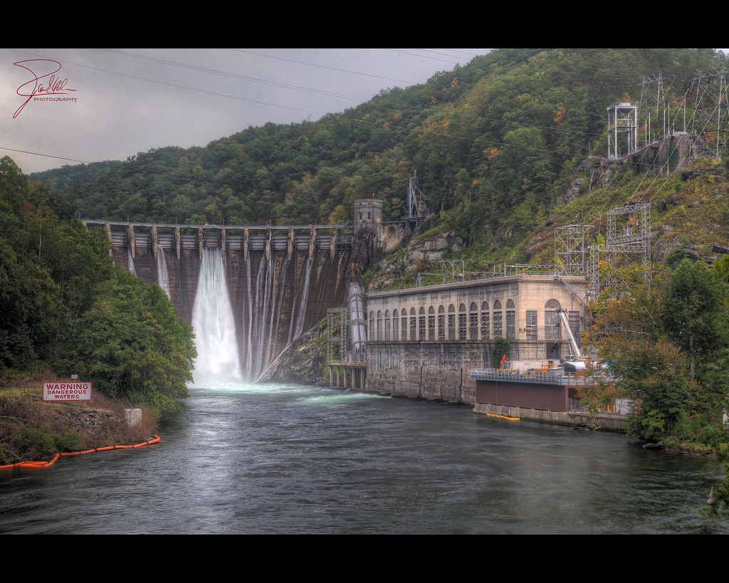 Cheoah Dam Cheoah Dam Us129 North Carolina The Cheoah