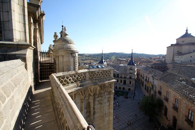 A media subida de la torre de la Catedral de Toledo