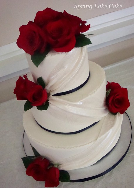wedding cake with fresh red roses wedding cake flickr photo 26895