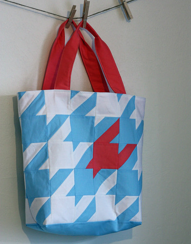 Houndstooth Tote | by The Busy Bean