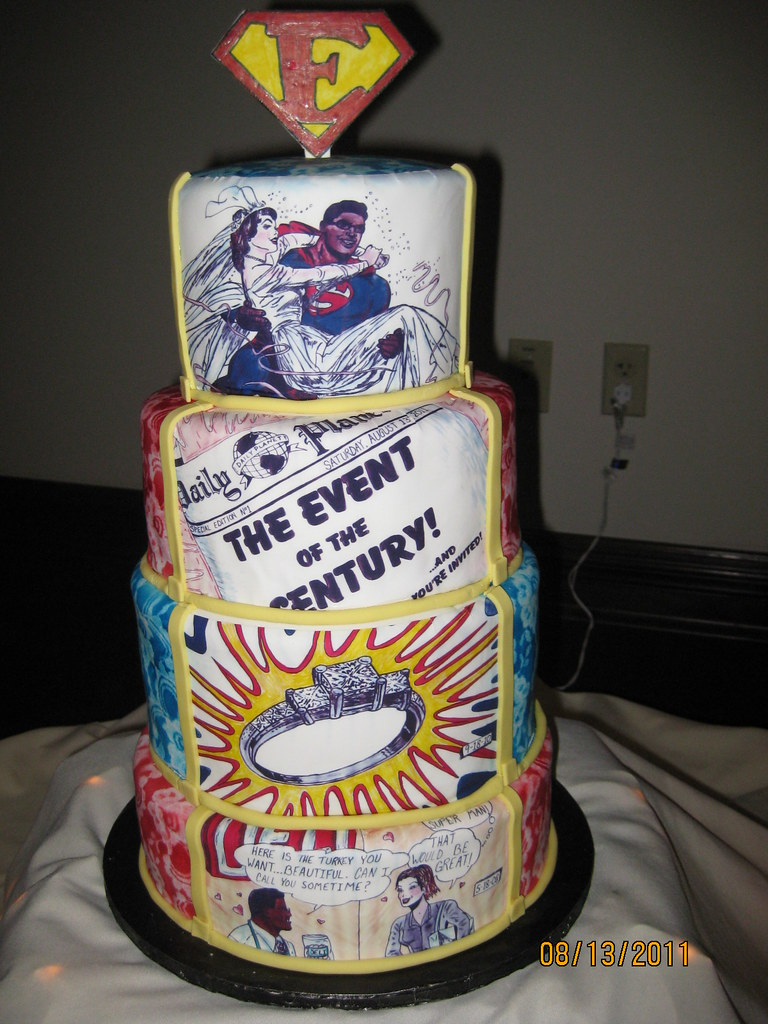 Superman And Wonder Woman Wedding Cake