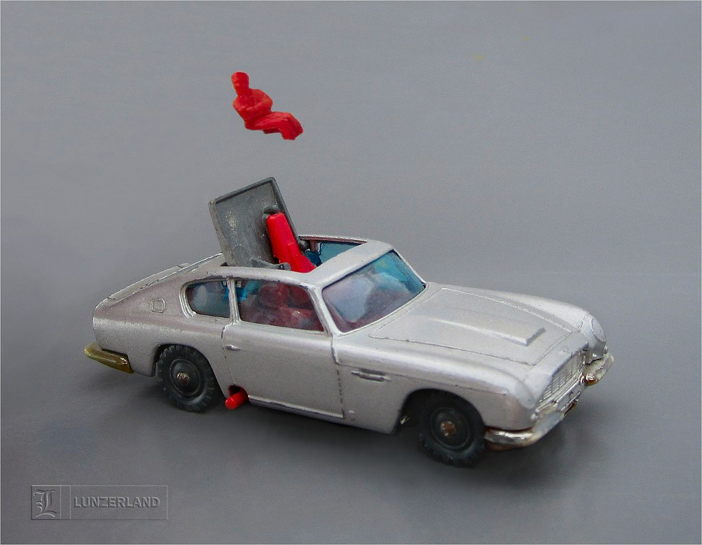 james bond 007 aston martin db5 with ejector seat 1:64 sca… | flickr