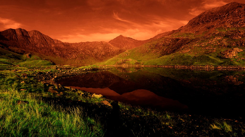 Mount Snowdon, Wales  My current wallpaper, which looks gre…  Flickr