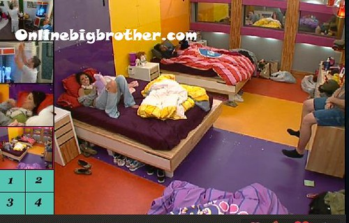BB13-C4-8-19-2011-12_37_00.jpg | by onlinebigbrother.com